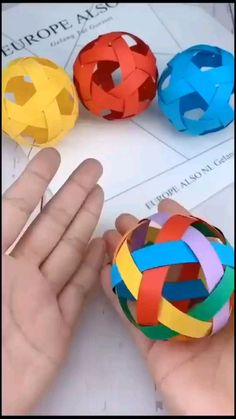 Paper Crafts Origami, Paper Crafts For Kids, Preschool Crafts, Recycled Crafts Kids, Cute Crafts, Creative Crafts, Diy Pinterest, Paper Balls, Diy Crafts Videos