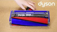 DYSON | V8 con Soft Roller - controllo blocchi/intasazioni [video] - http://www.complementooggetto.eu/wordpress/dyson-v8-soft-roller-controllo-blocchiintasazioni-video/