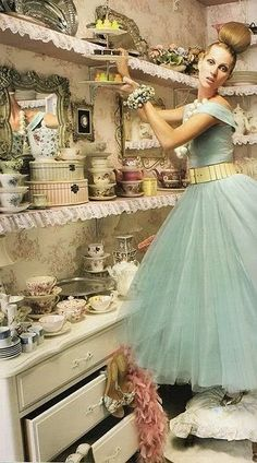 blue tulle--This is what my life looks like when I dream. All frills and lace and pretty things. :) (except the hair--I have my hair in my dreams too LOL) Mode Vintage, Vintage Love, Vintage Glam, Vintage China, Vintage Beauty, Blue Dresses, Girls Dresses, Flower Girl Dresses, Vintage Outfits
