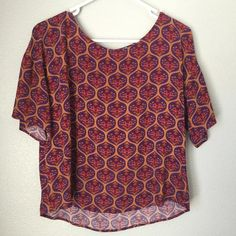 Royal t shirt Super cute and the colors look great with black or white jeans! Forever 21 Tops Tees - Short Sleeve