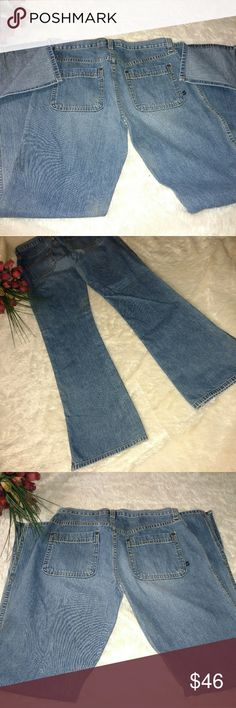 "Abercrombie & Fitch Athletic Quality Denim Abercrombie & Fitch athletic quality denim • Perfect Pre-owned Pre-owned Pre-owned Condition.  100% cotton •  A&F Size 8 • Measurements are APPROXIMATE  (Lying flat garments)  Inseam 31"" Waist 16"" Rise 10"" Abercrombie & Fitch Jeans Flare & Wide Leg"
