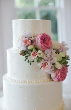 Wedding Allan House  Pearl Events Austin Cake floral by Verbena Floral Design