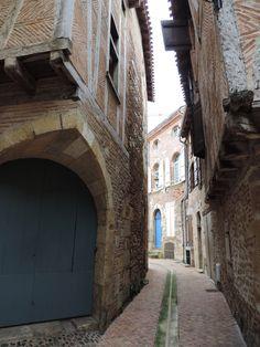 Le quartier historique  d' #Agen proche de la Mairie et du quartier des Jacobins...