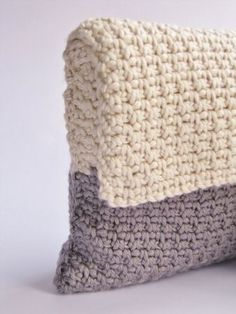 """Art Deco Clutch My mother pitched me a couple of weeks ago, that she needed some kind of little bag or pouch thing: """"I need a little bag for the car keys and my wallet, when I go to the physical t... #crochet"""