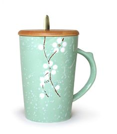 AmazonSmile | Ceramic Mug Floral Design with Spoon and Wood Lid Fine Porcelain Perfect for Coffee, Tea, Beverage (Olive): Coffee Cups & Mugs Best Coffee Mugs, Coffee Cups, Apollo Box, Gifts In A Mug, Gift Mugs, Cool Mugs, Tea Cup Set, Fine Porcelain, Ceramic Mugs