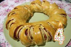 El mandilón de mamá: Corona de jamón york y queso