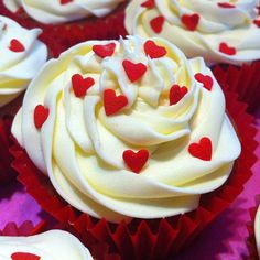 Small Hearts Cupcakes by Party Ideas UK