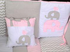 Juego de Cuna Kristian Rosa Elefante-Liverpool es parte de MI vida Baby Room, Baby Gifts, Diaper Bag, Snoopy, Nursery, Throw Pillows, Quilts, Bed, Fabric