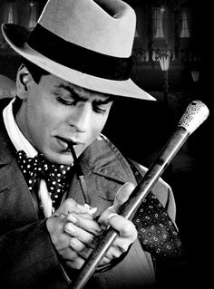 Most of what I know about love, I learnt watching Shah Rukh Khan films Srk Movies, Sanjay Leela Bhansali, Vintage Bollywood, King Of Hearts, Bollywood Stars, Black N White, Shahrukh Khan, Celebs, Celebrities