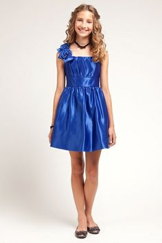 Easter party dress for your Tween! She's not so little anymore :-)