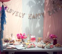 Beautiful Tutu du Monde Birthday Party! on http://www.bellissimakids.com