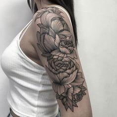 Parvick Faramarz blackwork tattoos11