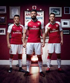Arsenal - 2017-18 Home Kit - Alexis Sanchez, Olivier Giroud, Mesut Ozil