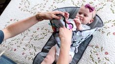 Diaper-time just got a lot Easier – SnoofyBee, The Clean Hands Changing Pad. Get off with code SNOOFYLOVE! Offer ends soon. Cute Babies, Baby Kids, Baby Bug, Baby Must Haves, Baby Diaper Bags, Baby Hacks, Baby Sewing, Baby Shower Parties, Baby Gear