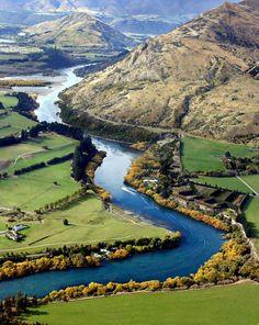 Queenstown, Nieuw Zeeland   http://vertrekdirect.nl/bestemming/Nieuw-Zeeland?utm_source=pinterest&utm_medium=textlink&utm_campaign=socialmedia