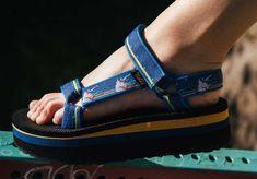 Socks And Sandals, Sport Sandals, Teva Flatform, Platform, Stylish, 4 Years, Searching, Goodies, Google Search