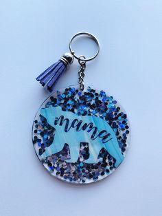 Diy Resin Keychain, Acrylic Keychains, Cute Keychain, Keychain Ideas, Handmade Keychains, Duct Tape Crafts, Diy Resin Crafts, Jewelry Crafts, Washi Tape