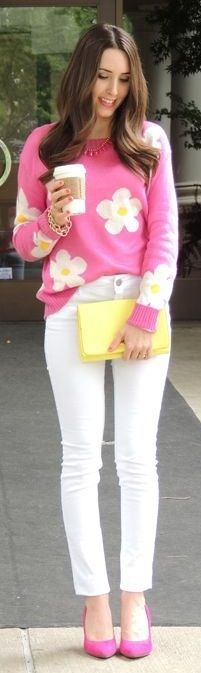 Pink daisy sweater, pink heels, yellow clutch. Perfect for spring!