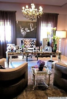 Live this executive home office design! Take charge in a room that is styled just for the | http://tipsinteriordesigns.blogspot.com