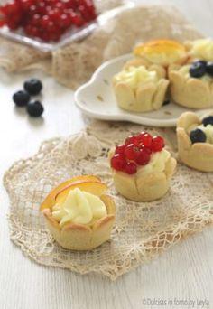 Cestini di frolla con crema e frutta veloci Dulcisss in forno by Leyla