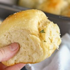 How to make Dinner Rolls Instant Pot Pork Tenderloin Recipe, Pork Tenderloin Recipes, Easy Drop Biscuits, Easy Stuffing Recipe, Easy Cranberry Sauce, Fluffy Dinner Rolls, Garlic Rolls, Dinner Bread, Garlic Parmesan