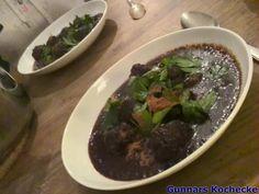 Kebab B'il Karaz - Syrische Lammfleischbällchen in Sauerkirschsauce - #Rezept