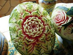 Incredible carved watermelon #food #art  http://pinterest.com/artexperienceny/food-art/