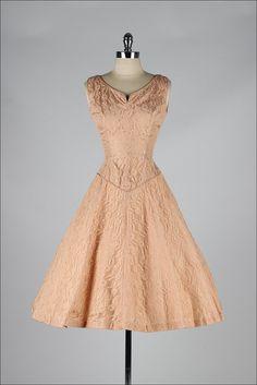 vintage 1950s dress . apricot lace . bolero par millstreetvintage