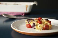 Ensinamos uma deliciosa receita de Torta Salgada de Tomate (Clafoutis), super fácil de fazer e com uma combinação de tomate, gorgonzola e azeitona preta que vai deixar todo mundo mais feliz!