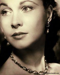 Vivian Leigh, classic beauty!
