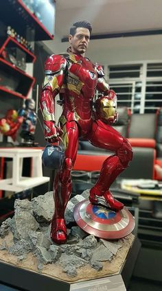 superhero marvel geeks news Bd Comics, Marvel Dc Comics, Marvel Heroes, Captain Marvel, Marvel Avengers, Marvel Statues, Ironman, 3d Prints, Figure Model