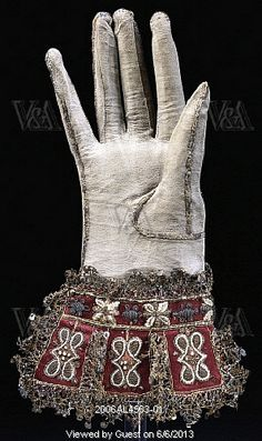 Image of glove. england, early century by V&A Images Vintage Vogue, Vintage Fashion, Baroque, 17th Century Fashion, Tudor Fashion, Mitten Gloves, Mittens, Vintage Gloves, Costume Collection