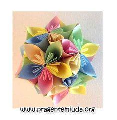 passo a passo de flores feita com origami