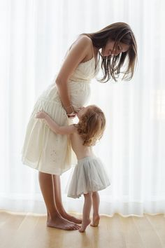 mom and toddler belly pic maternity picture ideas baby bump photo ideas