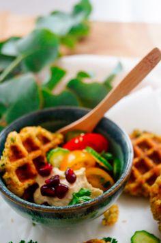 Falafel, Greens Recipe, Waffles, Healthy Recipes, Healthy Food, Breakfast Recipes, Veggies, Hummus, Tasty