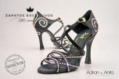 ❤️💕 Anita Swarovski Edition... 😘 😍 El zapato de baile más lujoso y bonito del mundo!! ❤️💕 ... ¿Te imaginas bailando con ellos??? 😘 😍 #QueBonitosPorFavor #AmiMeDaAlgo #MisZapatosSonHermosos #HechosaMano #SoloMios #PasionPorLaModa #swarovski #lujo #crystal #uniqueShoes #ElArmarioDeMiVida #ZapatosUnicos #AnitaPearl #ZapatosReina #LaReinaDeMiArmario Anita Santos Rubin II Adrian Rodriguez Carbajal Adrián y Anita