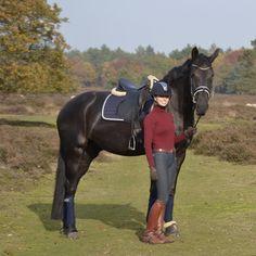 Today's outfit! #samshield #petrie #dressage #paardenzorg #equestrian #pferd #fashion #dressuur #horseblogger #equine #dressur #equiline #eskadron #kingsland