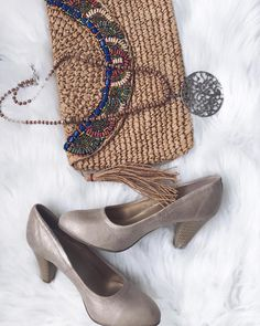 """29 mentions J'aime, 1 commentaires - Lena Gomes (@miss.lenagomes) sur Instagram: """"Os acessórios muitas das vezes é o que dá o toque final ao look, e estes foi o que eu usei no look…"""" Toque, Look, Espadrilles, 1, Shoes, Instagram, Fashion, Espadrilles Outfit, Moda"""