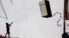 A mural of Jesus being chased by police and paparazzi close to London Bridge that was reportedly to be by graffiti artist Banksy is in fact a fake. Banksy Graffiti, Arte Banksy, Banksy Artwork, New York Graffiti, Street Art Banksy, Best Graffiti, 3d Street Art, Amazing Street Art, Graffiti Lettering