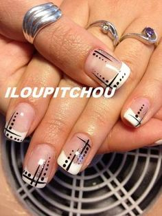 Having short nails is extremely practical. The problem is so many nail art and manicure designs that you'll find online French Tip Nail Designs, French Nail Art, French Tip Nails, Gel Nail Art, Nail Manicure, Acrylic Nails, Nail Polish, Cute Nails, Pretty Nails