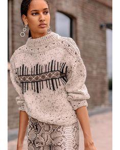 Crochet Hat For Women Chunky 27 Best Ideas Vogue Knitting, Knitting Wool, Knitwear Fashion, Knit Fashion, Knit Crochet, Crochet Hats, Crochet Hat For Women, Cardigan Pattern, Mode Inspiration