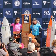 Bells was so pretty today!! All the girls killed it put on a massive show but these two came out on top.. Sally Fitz coming 2nd to Courtney Conlogue who is now the jeep rankings leader!!   So stoked hanging to see more of the men's heats tomorrow!! Yewww!!  #itsON #stoke #purestoke #winners #sallyfitzgibbons #courtneyconlogue #womensurfing #wsl #ripcurl #ripcurlpro #bells #bellsbeach #hellsbells #bellsbowl #worldsurfleague #surfphotography #live #surfing #surf #swell #waves #ocean #torquay…
