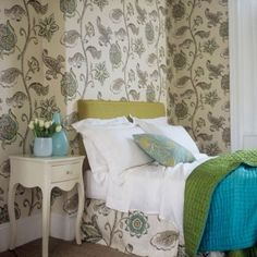 Looking for bedroom wallpaper ideas? Don't miss these brilliant ways to make a statement with wallpaper designs in your bedroom Wallpaper Design For Bedroom, Designer Wallpaper, Wallpaper Ideas, Neutral Wallpaper, Wallpaper Designs, Large Bedroom, Cozy Bedroom, Bedroom Ideas, Interior Design Inspiration