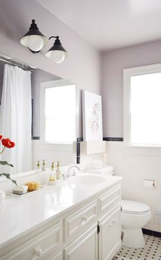 Young House Love bathroom-Elephant Gray by benjamin moore Not usually into violets but this I Love, especially with the original black/white tile Grey Purple Paint, Light Purple Walls, Purple Colors, Gray Paint, Grey Light, Gray Color, Grey Bathrooms, Small Bathroom, Bathroom Ideas