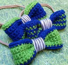 Seattle Seahawks Hairbows Available at https://www.etsy.com/shop/LostInYarnia