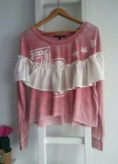 Kup mój przedmiot na #vintedpl http://www.vinted.pl/damska-odziez/bluzki-z-dlugimi-rekawami/18117812-bluza-bluzka-szeroka-poprzecierana-grunge-falbana-surowe-wykonczenia-l-cyfry-gwiazdy