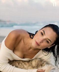 Alexandra Daddario, Malese Jow, Gal Gardot, Gal Gadot Wonder Woman, Female Actresses, Popular Actresses, Emma Stone, Celebs, Celebrities