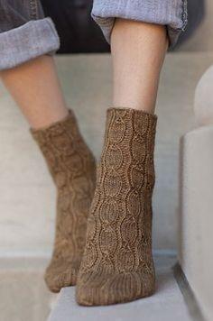 Planorbis corneus sock : Knitty First Fall 2014 Crochet Socks, Knitting Socks, Free Knitting, Knitting Patterns, Knit Crochet, Knit Socks, Cozy Socks, Women's Socks, Knitting Tutorials