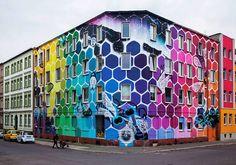 Marina Zumi transforma prédio na Alemanha em enorme graffiti com cores do…