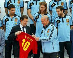"""Rajoy recibió a La Roja antes de la Eurocopa. """"Los españoles necesitamos una alegría"""", dijo el presidente"""
